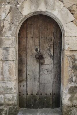 Ménerbes porte ancienne Vaucluse