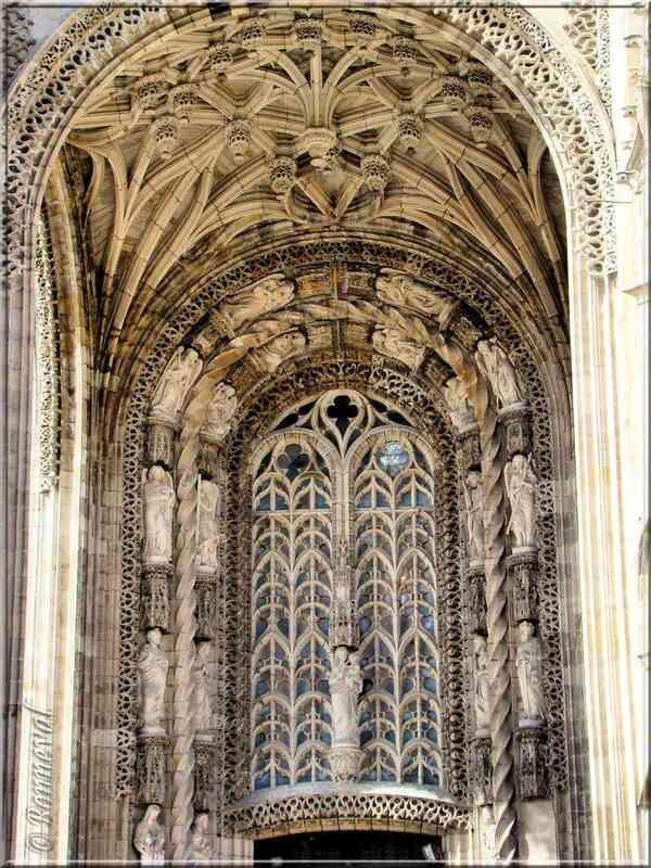 """Cathédrale Sainte-Cécile d""""Albi baldaquin et porte d'entrée"""