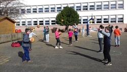 Les élèves de l'école s'initient au basket !