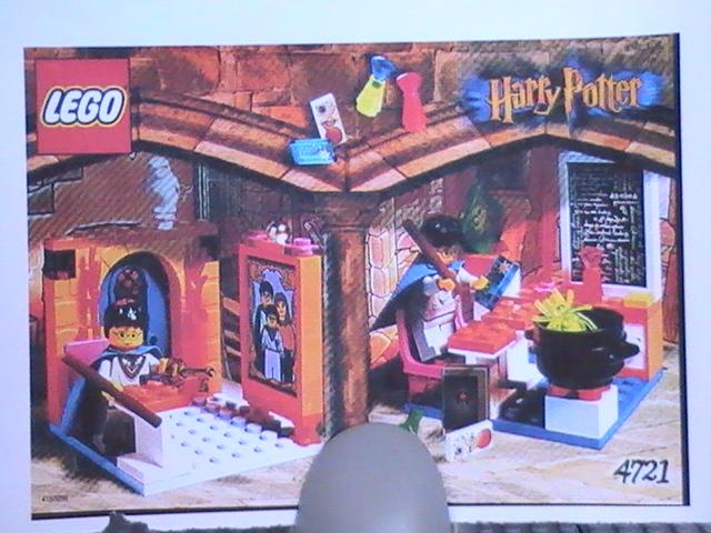 Légo harry Poter n° 4721 de 2001 - hogwart's classe room.
