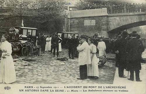 Le grand almanach de la France : Accident d'autobus
