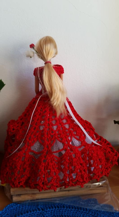 4 ième robe barbie (Elsa)