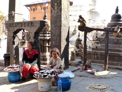 le temple de Swayambunath; donations