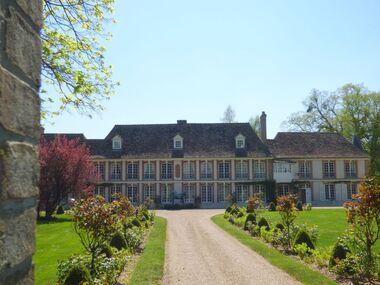 Trois Châteaux, Trois Eglises