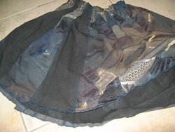 Une jupe avec des restes