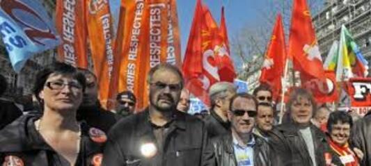 """Nos syndicats politisés voudraient gerer le la france sur le modele """"perimé"""" sovietique."""