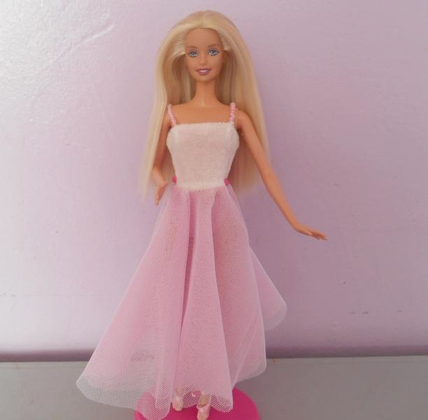 Barbies,les robes de mes voyages SJ4wHRz9bfNvrKq5jdPZoE-t4lE