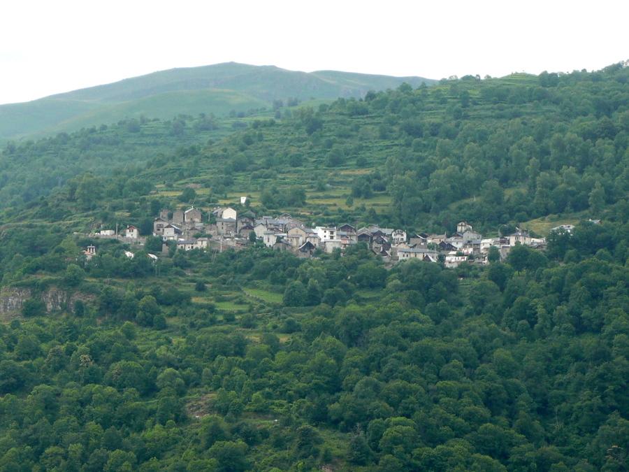 Le  château de Miglos, toujours en vallée de Vicdessos.
