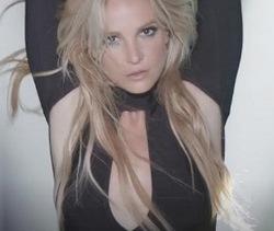 Britney Spears a collaboré avec DJ Mustard sur le titre Mood Ring