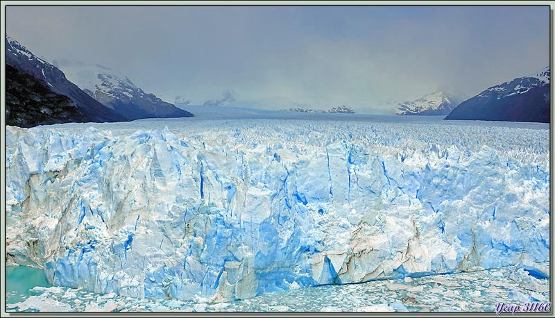Nous quittons le glacier en longeant le Canal de los Tempanos afin de rejoindre le restaurant - Peninsula de Magallanes - Patagonie - Argentine