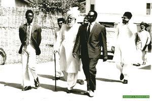 calife-avec-gouverneur-gambie