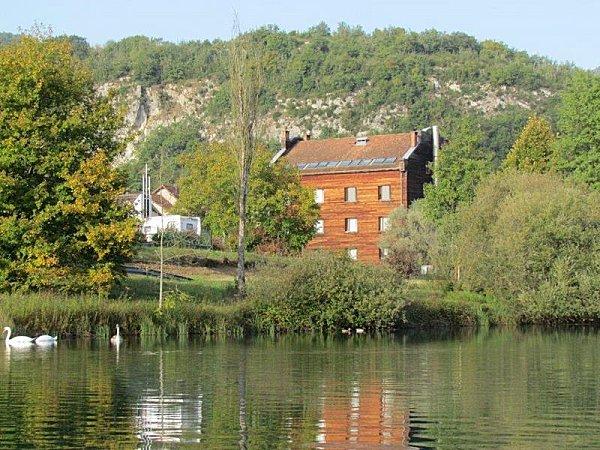 Maison des Isles du Rhône La Bruyère Brégnier Cordon