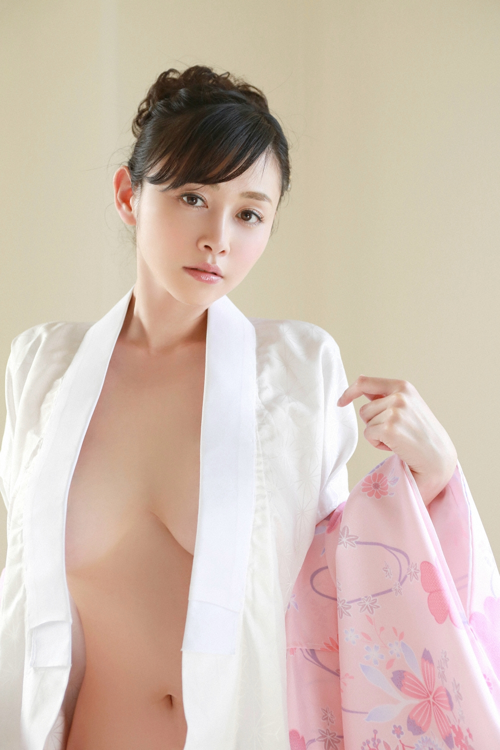 Sugihara Anri 杉原杏璃 YS Web Vol 655 Photos 35