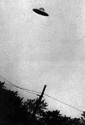 An amateur photograph of a UFO taken in Passoria, New Jersey, in July 1952