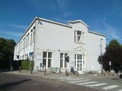 Les élèves de l'école Vervloesem recherchent des documents sur le passé de leur école