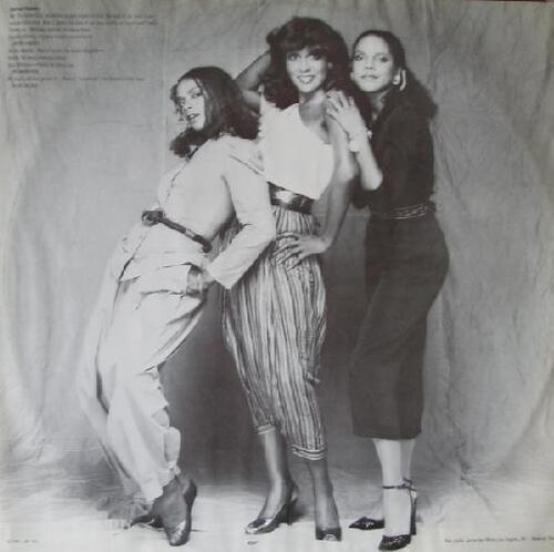 "1981 : The Jones Girls : Album "" Get As Much Love As You Can "" Philadelphia International Records FZ 37627 [US]"