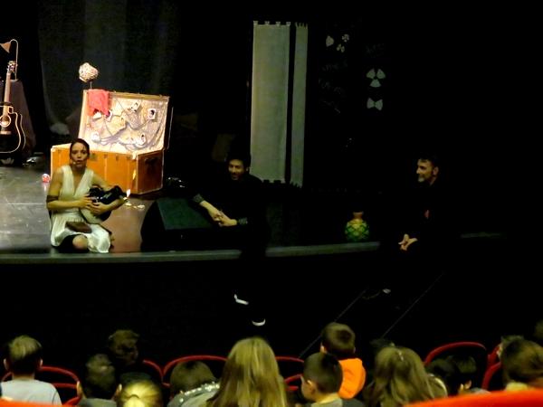 """""""Ello Papillon"""" un concert-spectacle extraordinaire de beauté et de gâce a été offert par la CCPC aux élèves du cycle 3 du territoire et aux élèves de 6ème et de 5ème des collèges"""
