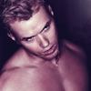 Photoshoot de Kellan Lutz pour Interview Magazine