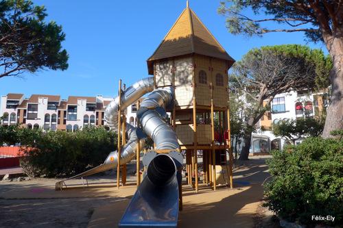 Une structure de jeu pour les enfants