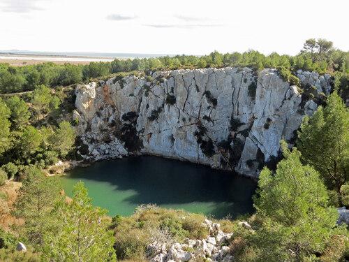 Le Gouffre de l'Oeil Doux à Saint-Pierre-la-Mer (Aude)