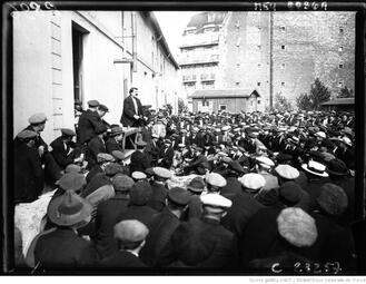 Grève des gaziers, Baligean haranguant les grévistes 1923
