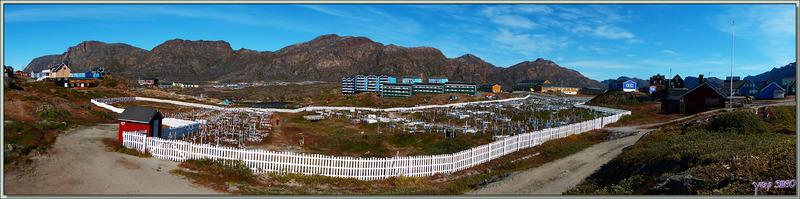 Vue panoramique sur le cimetière de Sisimiut - Groenland