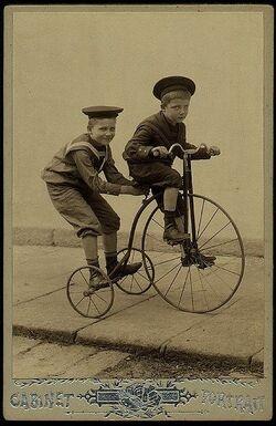 à vélo !!