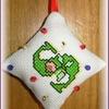2010-08 attache ciseaux avec des perles, pandabear, recto.jpg