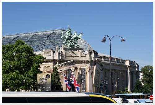 5. Visiter Paris en bus à plateforme