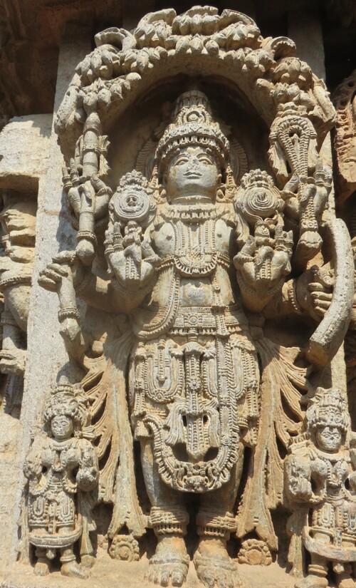 Somnathpur, les statues des dieux (3)