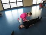 Séance de gymnastique et de lutte