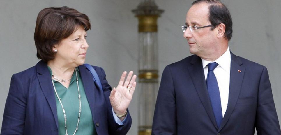 Martine Aubry et François Hollande, en janvier 2012. (JEAN-CHRISTOPHE VERHAEGEN / AFP)