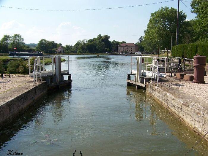 le canal de Bourgogne  à Pouilly en Auxois