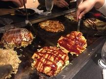 L'Okonomiyaki ou l'omelette japonaise.