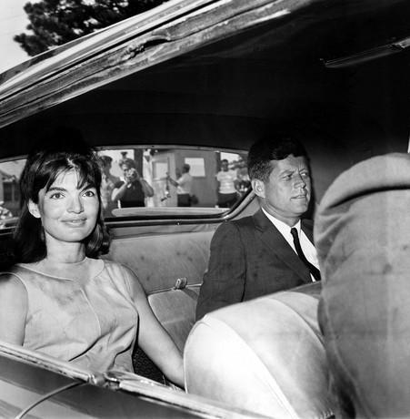 """Comment """"Icebergs"""" John F. Kennedy et Jackie réchauffé à une autre après la mort de leur fils Patrick"""