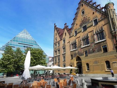 Ulm en Allemagne: la plus grande flêche du monde (photos)