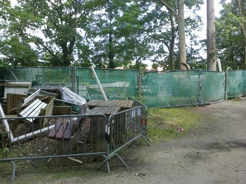 L'ancien dépôt communal accueille enfin tous les services communaux de la commune... le chancre du Stade Fallon va-t-il enfin disparaitre ?