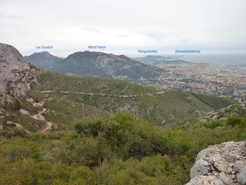 Au début de la descente, vue vers le Sud-Est