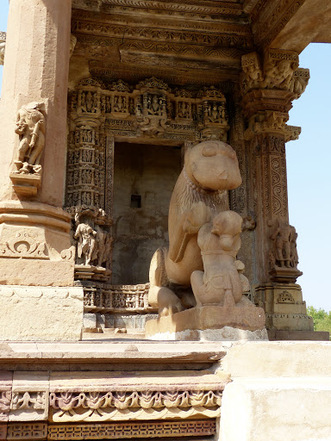 toutes les statues ne sont pas érotiques!!!