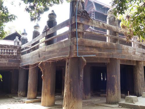 le monastère en teck Bagaya construit en 1834