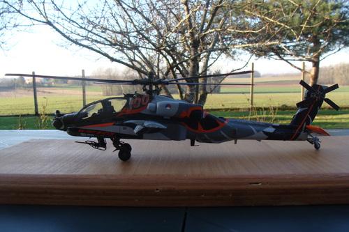 "Maquette hélicoptère AH-64D Longbow Apache ""100th Years Military Aviation"""