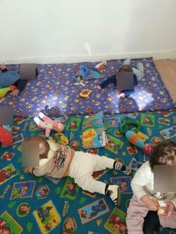 Les bebes s'amusent