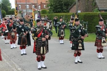 Le modèle militaire écossais : le Pipe Band
