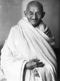 250px-Gandhi-studio-1931.jpg