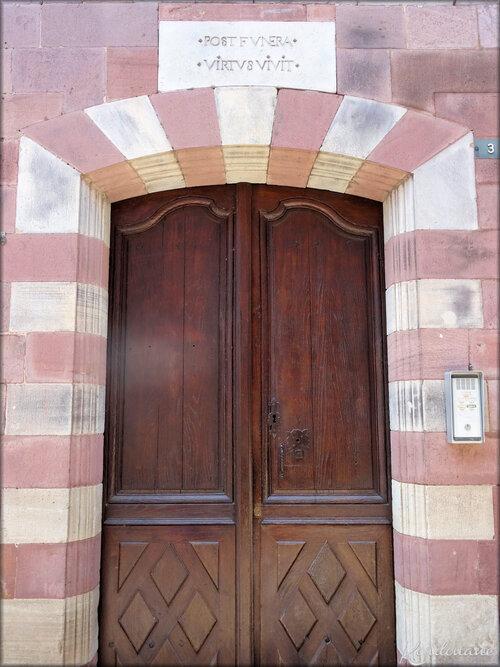 Portes et Linteaux (Saint Jean Pied de Port)