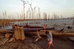 Au Laos, les oubliés de la rivière Nam Theun