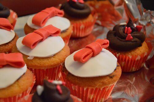 Pyramide de macaron et cupcakes