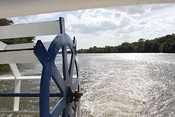sur le fleuve Chavon (5)