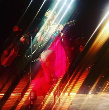 Rebel Heart Tour - 2015 12 12 Zurich (7)