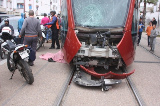 PHOTO ACCIDENT TRAMWAY CASABLANCA